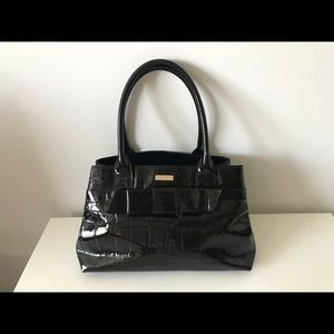 Kate spade tote bag in good condition.